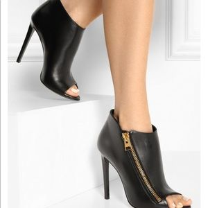 Tom Ford Peep toe Ankle Boots...nice!❤️..